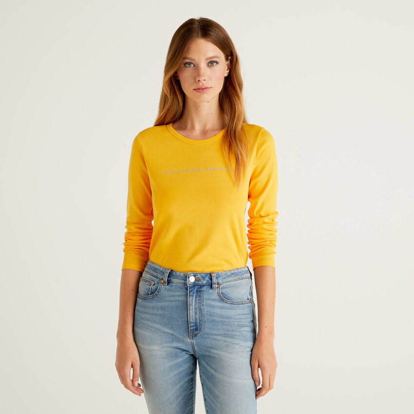 Yellow t-shirt with long sleeves in 100% cotton