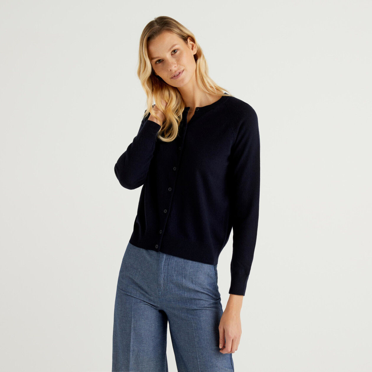 Dark blue crew neck cardigan in cashmere and wool blend