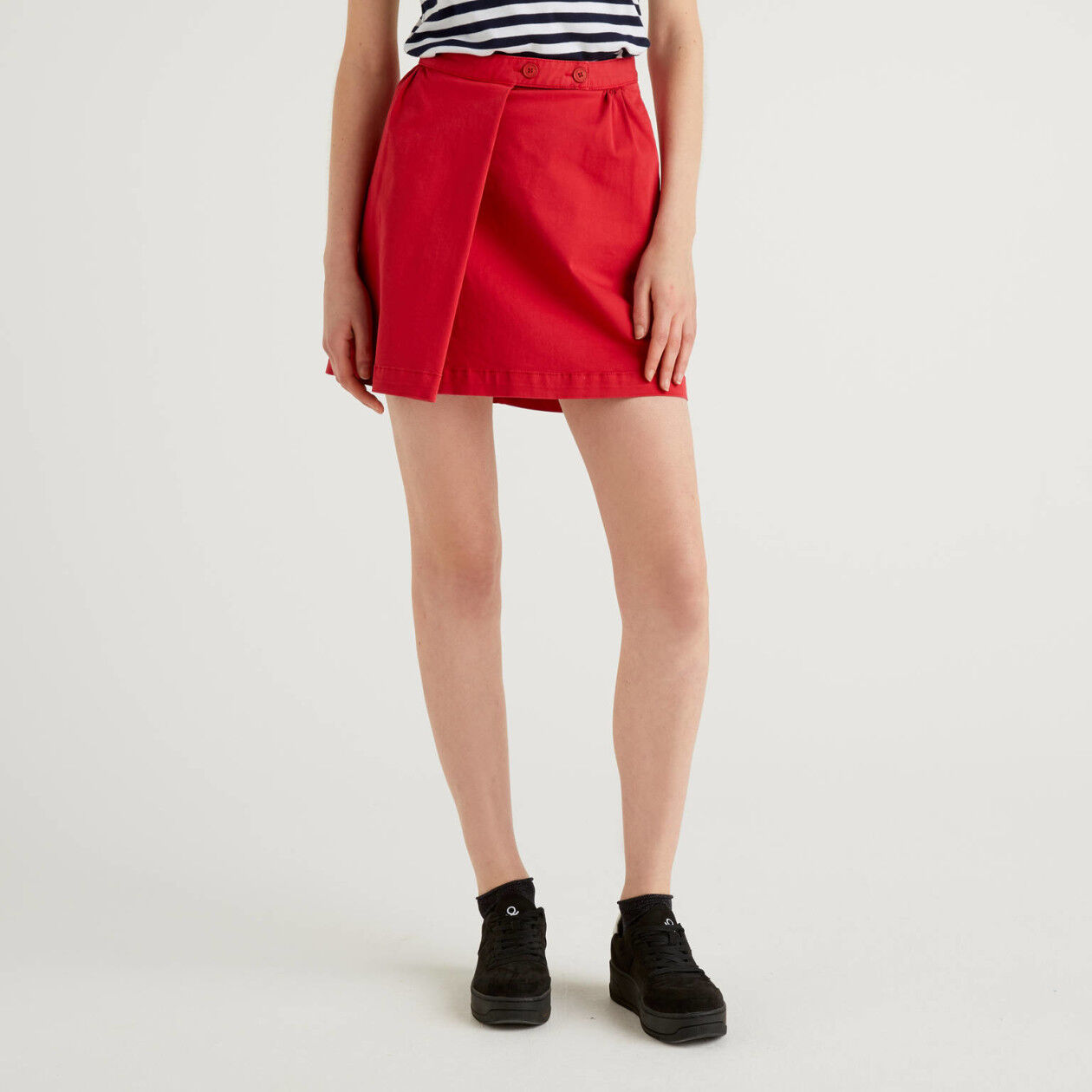 Flared short skirt