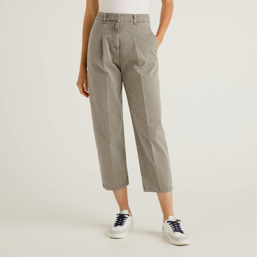 Carrot fit trousers with pleats