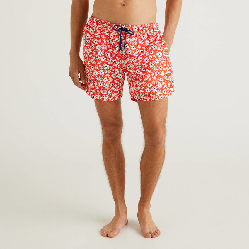 Pattern print swim trunks