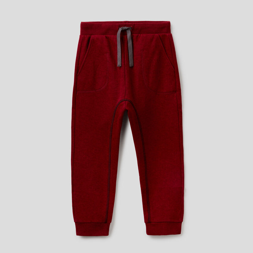 Sweatpants with visible seam