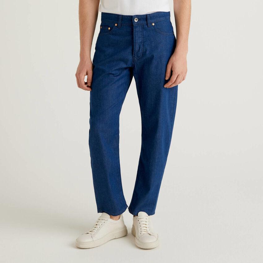 Lightweight carrot fit jeans