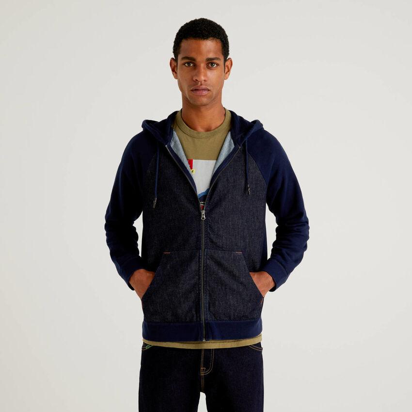 Sweatshirt with hood and jean insert